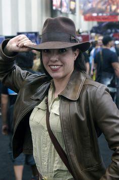 Indiana Jones costume with a twist Comic Con Costumes, Halloween Costumes, Halloween Ideas, 80s Film Fancy Dress, Indiana Jones Costume, Warrior Girl, Casual Cosplay, Hot Actors, Costume Ideas