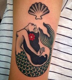 Another sweet friend. Mermaids coming to life at Para Renata. (at Pma_tattoo_rockers) Trendy Tattoos, Love Tattoos, New Tattoos, Body Art Tattoos, Tattoos For Women, Tatoos, Pma Tattoo, Tattoo You, Tattoo Old School