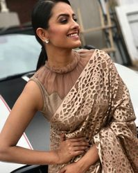 Stylish Fancy Blouse Designs For Latest Saree Blouses Designs From 2017 That Are Sure To Amaze YouAnita Hassanandani Images In Designer Latest Blouse Designs 2018 Patterns, Anita Hassanandani is an IndianLooking for stylish blouse designs fo Blouse Back Neck Designs, Saree Blouse Patterns, Fancy Blouse Designs, Designer Blouse Patterns, Latest Blouse Designs, Pattern Blouses For Sarees, Latest Blouse Patterns, Lehenga Designs Latest, Indian Blouse Designs