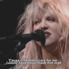 Courtney Love, Hole, He Hit Me - MTV Unplugged, 1995 #grunge
