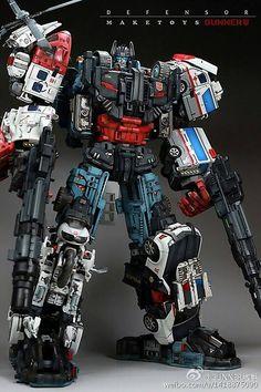 Best-looking Defensor I've ever seen. Ironhide Transformers, Transformers Toys, Transformers Generation 1, Transformers Collection, Transformers Masterpiece, Ex Machina, Classic Cartoons, Gundam Model, Gi Joe