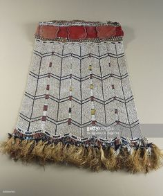 Stock-Foto : Men's ceremonial kilt made from shells, Glass beads, Seeds, Fiber…
