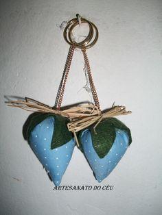 Chaveiro Morango Azul