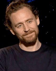 Nice beard ! Tom Hiddleston