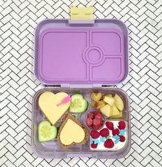 Valentinstagsbox Nr 2 in der Yumbox Panino mit Herzchenstulle. <3 #lunchbox #kids
