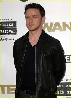 Someone please ask him how he's 37, has a kid and looks so fucking 26?? James McAvoy