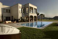 A Villa Experience on Xanadu Island: Unforgettable.