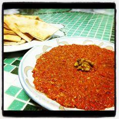 Universo dos Alimentos: Muhammara: Pasta árabe de pimento vermelho