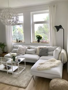 elegant and simple white living room for your house 20 Living Room Modern, Living Room Designs, Living Room Decor, Ikea Inspiration, Living Room Inspiration, Minimalist Home Interior, Minimalist Furniture, Interior Decorating, Interior Design