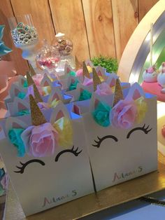 Unicornios & Arco Iris Birthday Party Ideas | Photo 1 of 28