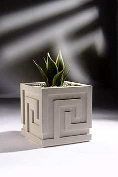 Contemporary planters superior to regular flower pots by Haddonstone. Stylish cast stone contemporary planter containers for the garden or lawn. Diy Cement Planters, Cement Flower Pots, Stone Planters, Concrete Crafts, Concrete Projects, Concrete Design, Concrete Planters, Mini Vasos, Architecture 3d