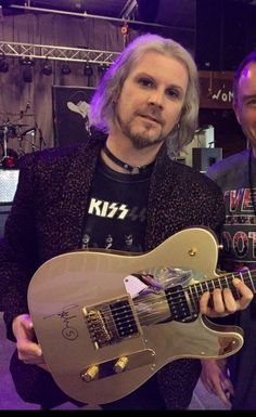 John 5. Him AND this guitar ❤️