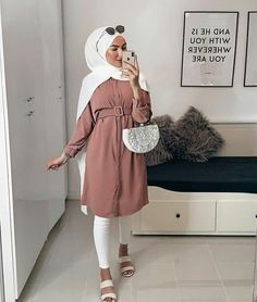 Cotton head scarf, instant black hijab, ready to wear muslim accessories for women Hijab Fashion Summer, Modest Fashion Hijab, Modern Hijab Fashion, Muslim Women Fashion, Hijab Fashion Inspiration, Hijab Chic, Casual Hijab Outfit, Mode Inspiration, Modest Outfits Muslim
