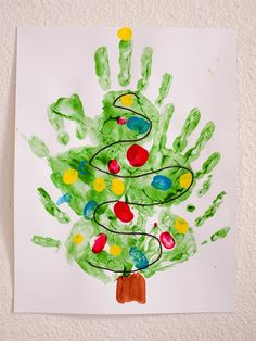 Best DIY Winter Art Projects for Kindergarten that Kids will Love Picture 23 Kids Crafts, Preschool Christmas Crafts, Christmas Art Projects, Daycare Crafts, Classroom Crafts, Toddler Crafts, Christmas Diy, Christmas Trees, Christmas Tree Hand Print