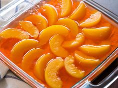 Peach Pretzel Jello Salad – A deliciously buttery and cinnamon-y pretzel crust, topped with a thick layer of sweetened cream cheese, and, finally, a jello layer speckled with your choice of fruit. Jello Desserts, Jello Recipes, Just Desserts, Delicious Desserts, Dessert Recipes, Salad Recipes, Rib Recipes, Pudding Recipes, Deserts