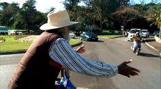 Mr. Happy Man – 88yo Johnny Barnes gives daily love to everyone (Clip)