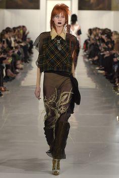 http://wwd.com/fashion-news/shows-reviews/gallery/maison-margiela-couture-spring-10331604/#!15/maison-margiela-couture-spring-2016-13/
