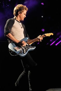Hunter Hayes plays for the crowd at Nashville's LP Field during the 2013 CMA Music Festival. from Hunter Hayes