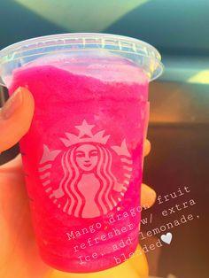 Starbucks Hacks, Starbucks Secret Menu Drinks, Smoothies, Fruit Smoothie Recipes, Coffee Drink Recipes, Coffee Drinks, Dessert Drinks, Yummy Drinks, Cold Starbucks Drinks