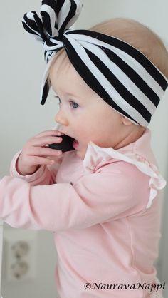 9 months old #photography #9kk #bow #nosh9kk kuulumiset ja vauvan juhlalook