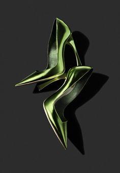 Very Ladylike: Christian Dior Green Metallic Pumps Spring 2013 ✬ #shoes #heels #dior