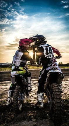Shop motocross gear for sale from Typhoon Helmets. Motocross Couple, Biker Couple, Motocross Girls, Motorcycle Couple, Dirt Bike Couple, Motorcross Bike, Motocross Riders, Motos Ktm, Biker Love