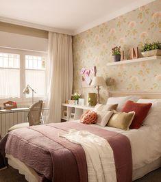 New farmhouse bedroom romantic cottage style ideas Farmhouse Bedroom Furniture, Farmhouse Style Bedrooms, Home Bedroom, Girls Bedroom, Bedroom Ideas, Trendy Bedroom, Bedroom Romantic, Romantic Cottage, Apartment Interior