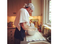 Looks like Tim McGraw and Faith Hill were using Pacific Foods broth over the holidays making homemade chicken and dumplings! Best Dumplings, Dumpling Recipe, Homemade Chicken And Dumplings, Chicken Dumplings, Tim And Faith, Tim Mcgraw Faith Hill, Star Food, Dinner Is Served, My Favorite Food
