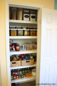 I love these pantry organization ideas! Sunny Side Up: Pantry Organization - the next level! It will be half tea. Pantry Shelving, Pantry Storage, Kitchen Storage, Storage Spaces, Kitchen Decor, Shelving Ideas, Kitchen Pantry, Kitchen Ideas, Kitchen Inspiration
