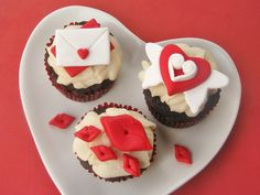 Adorable Valentine cupcake toppers!