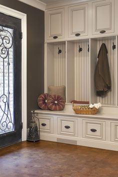I need a mudroom like this! Love it!!!