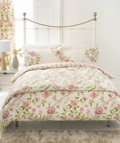 Cozy Cottage Bedroom