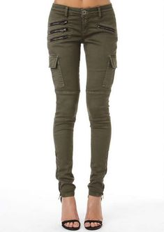 Amry Green Cropped Pants