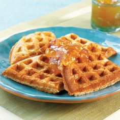 Buttermilk Waffles With Jam - South Beach Diet Recipes. These are so stinken good! Good Healthy Recipes, Low Carb Recipes, Diet Recipes, Waffle Recipes, Amazing Recipes, Keto Waffle, Uk Recipes, Waffle Iron, Easy Recipes