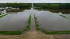 France. Juin 2016. Le parterre nord, emplacement des futurs jardins à la française, a été inondé.