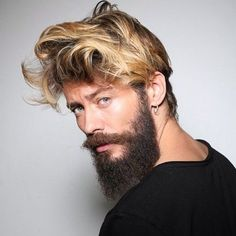 Messy Hairstyles are for those men who hate spending time in front of mirror all time. Here are 18 striking messy hairstyles for men that are stylish too. Mens Messy Hairstyles, Haircuts For Men, Long Beard Styles, Hair And Beard Styles, Medium Hair Styles, Short Hair Styles, Blond, Beard Fade, Long Beards