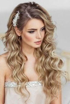 Wedding hairstyles 2019 half up half down with silver hairpin and veil . - Veil styles - hairstyles The Effective Pictures We Offer You About beach wedding hairstyles f Wedding Hair Down, Wedding Hair And Makeup, Hair Makeup, Wedding Updo, Wedding Beauty, Wedding Bridesmaids, Bride Hairstyles For Long Hair, Down Hairstyles, Curly Bridesmaid Hairstyles