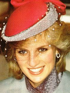Diana, Princess of Wales, in pink and blue hat and jacket Princess Diana Family, Royal Princess, Princess Of Wales, Lady Diana Spencer, Princesa Diana, Diana Williams, Kate Middleton, Diana Fashion, Pamela