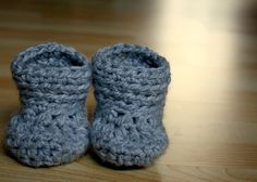 10 Minute Crochet Bootie Pattern. I made these for a friend who was having a boy and they were so easy and adorable! Easy pattern too!