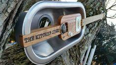 Guitar Amp, Cool Guitar, Guitar Crafts, Homemade Instruments, Guitar Painting, Cigar Box Guitar, Guitars, Bass, Weird
