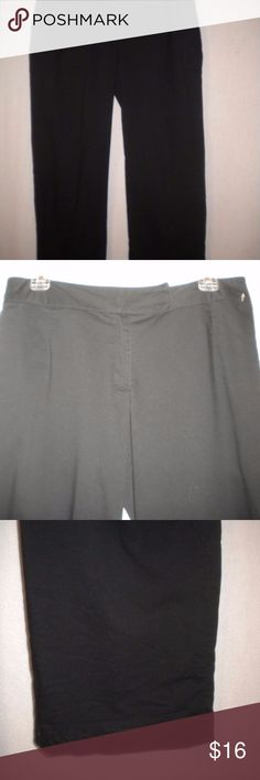 """Nike-Golf-Size-Medium Women Athletic Capris Barely Worn. Nike Golf Women Size Medium X 25"""" Inseam Capris. Black. Dri Fit.  Zipper front with inside metal closure and anchor button.  Two front zipper pockets and a right slit back pocket. Made of 51% Cotton,45% Polyester and 4% Spandex. Waist approximately 34 inches and front rise approximately 10 inches. Nike Pants Ankle & Cropped"""