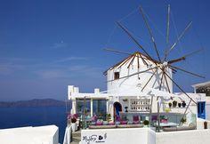 Mylos Bar Restaurant, is one of the best Restaurants in Santorini. Restaurant Exterior, Restaurant Bar, Wine List, Santorini Greece, Greek Islands, Greece Travel, San Francisco Skyline, Fair Grounds, Luxury