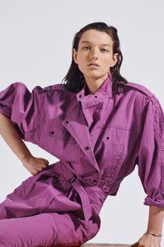 ¨¦toile Isabel Marant Spring 2020 Ready-to-Wear Fashion Show - Vogue Purple Fashion, Look Fashion, High Fashion, Fashion Show, Fashion Design, Fashion 2020, Runway Fashion, Fashion Trends, Mode Purple