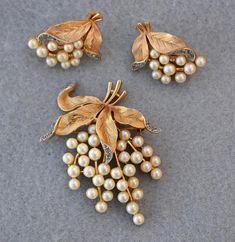 Gold pearl set pendant earrings love