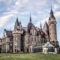 Moszna Castle. Moszna, Poland #poland #castle #castles #moszna #traveltips #travel #travelideas #mosznacastle Castle House, Castle Ruins, Medieval Castle, Beautiful Castles, Beautiful Buildings, Beautiful Places, Monuments, Places Around The World, Around The Worlds