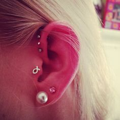 Tragus Earring Piercings ~ http://tattooeve.com/the-tragus-piercing-for-strong-woman/ Piercing
