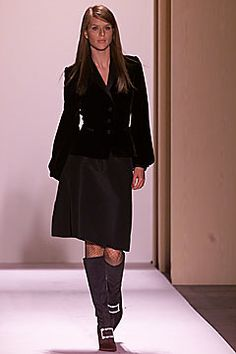Oscar de la Renta Fall 2001 Ready-to-Wear Collection Photos - Vogue