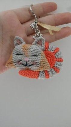 Miniatur 14-15 cm Bär oder Puppe für  ca Strickkleidchen Handarbeit!
