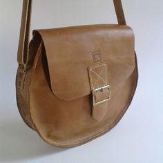 @estudiomatulao Satchel, Bags, Fashion, Handbags, Moda, Fashion Styles, Fashion Illustrations, Crossbody Bag, Bag