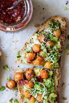 Arbonne 30 Days To Healthy Living Discover Vegan avocado toast Vegan avocado toast with spiced chickpeas and sprouts is a super simple yet very nourishing meal that makes an awesome breakfast or lunch. Its gluten-free. Vegan Breakfast Recipes, Vegetarian Recipes, Healthy Recipes, Breakfast Healthy, Dinner Healthy, Mexican Breakfast, Breakfast Bowls, Vegan Avocado Recipes, Breakfast Sandwiches